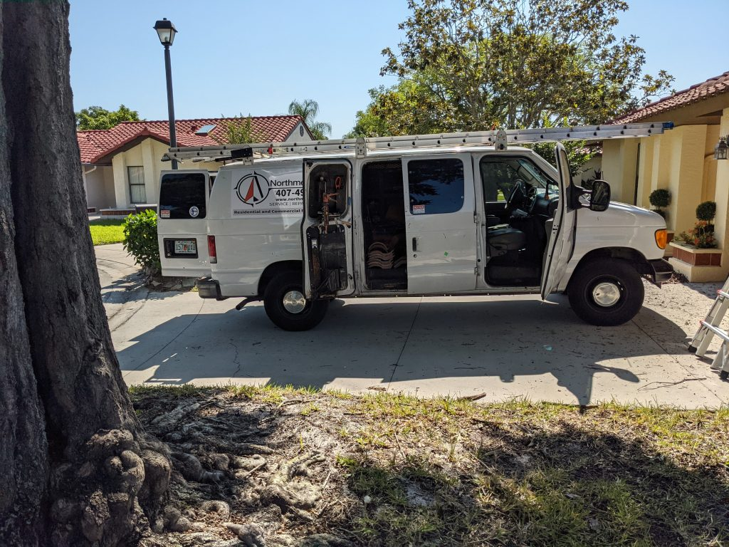 Orlando Florida roofing contractor picture